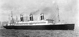 Le Leviathan quitte le port de New-York, vers 1925