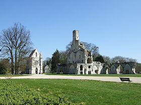 Ruines de l'église abbatiale et chapelle