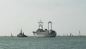 Remorquage du France I du musée maritime de La Rochelle