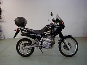 Honda 650 Dominator