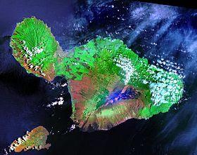 Image satellite de Maui; la petite île au sud-ouest est Kahoolawe