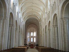 La nef de l'église abbatiale.
