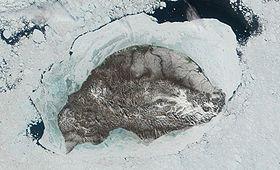 Image satellite de l'île Wrangel (2001).