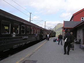 Train Flåmsbahn en gare de Myrdal
