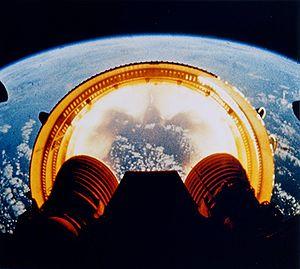 Séparation d'un inter-étage. Image extraite du film de la NASA de la mission Apollo 6