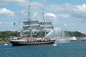 Le Belem lors de son entrée dans le port de Bayonne
