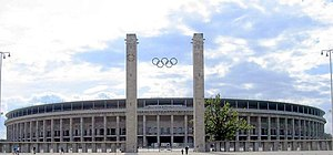Berlin Olympiastadion aussen.jpg