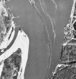 Orthophotographie Noir et Blanc de la confluence du Missouri et du Mississippi