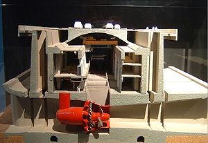 Maquette de la coupe du barrage de la Rance