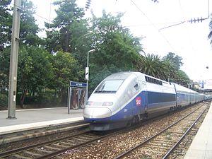 Rame TGV Duplex 206 à Antibes.