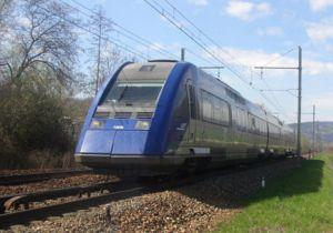 Le X 72695 près de Chambéry.