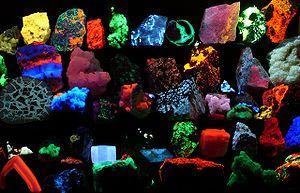 Divers minéraux fluorescents