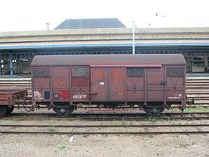 Wagon couvert à deux essieux