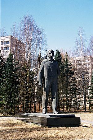 Statue de Iouri Gagarin à la cité des étoiles