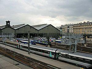 Au premier plan, voitures Corail plus de 2�me classe � la gare Saint-Lazare