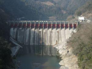 Les grands barrages sont de puissant facteurs de fragmentation écologique pour les poissons migrateurs