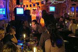 Soirée karaoké dans un pub irlandais