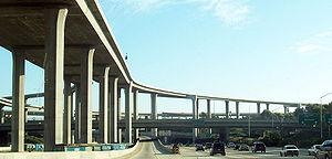 Échangeur autoroutier à Los Angeles