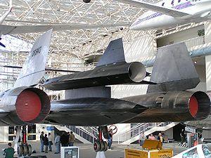 Le seul M-21 conservé, avec son drone D-21