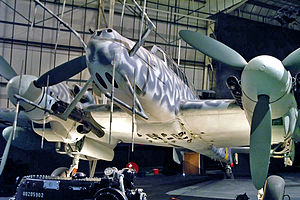 Un radar Lichtenstein SN-2 monté sur un chasseur allemand Bf 110.