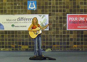 Lissa Turgeon fut l'une des musiciennes qui a débuté dans le métro de Montréal.