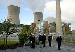 Une centrale nucléaire à Grafenrheinfeld, Allemagne. Toutes les centrales nucléaires allemandes sont programmées pour être arrêtées en 2020.