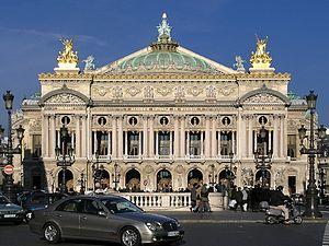 La façade de l'Opéra Garnier sous le soleil d'hiver