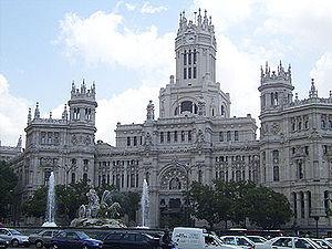La Plaza de la Cibeles et le Palais des communications