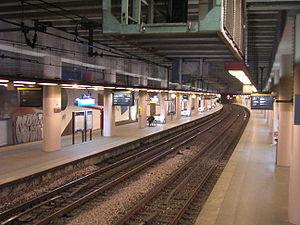 La gare aujourd'hui au niveau des quais. Tout à gauche, la voie 3 (01/02/07).