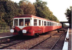 Remorque d'autorail unifiée de 2ème classe Decauville -1962-photo prise à Pacy sur Eure en novembre 1994