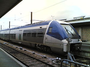 Un AGC bimode (BGC) entre en gare de Bercy à Paris (23/02/2006).