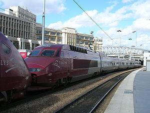 La rame TGV PBA n° 4531 à la gare du Nord, attelée à la rame PBKA n°4305 (27/03/2006).