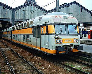 VB 2N à la gare Saint-Lazare à Paris en 2005.