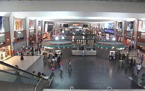 salle de correspondance de la station de La Défense