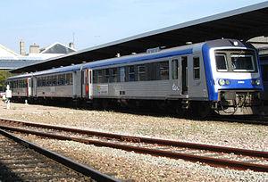 L'automoteur X 4923 rénové TER Haute-Normandie en Gare de Dieppe le 11 octobre 2005.