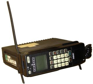 Premier téléphone GSM français