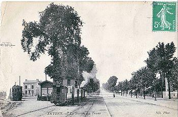 La gare d'Antony, où s'arrêtait la partie électrifiée de la ligne