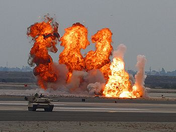 Série d'explosions.