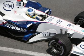 Nick Heidfeld au volant de la BMW Sauber F1.06 lors de la séance d'essais libres du GP Monaco 2006