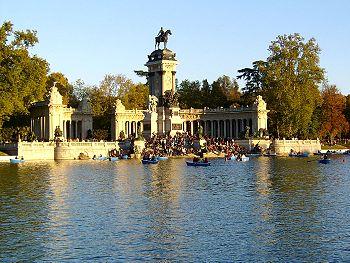 Lac du parc du Retiro