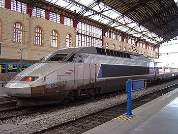 Un TGV réseau en gare de Marseille-Saint-Charles