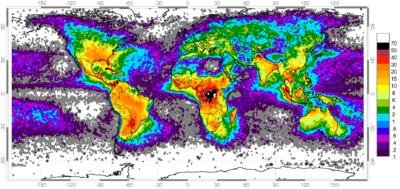 Carte mondiale avec la fréquence de la foudre. On remarque que les zones équatoriales sont celles où les décharges sont les plus fréquentes.
