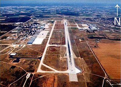 L'aéroport Nîmes-Arles-Camargue vu d'avion