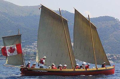 Une yole de Bantry peut fonctionner à l'aide de trois voiles.  Le tapecul est à l'arrière, le taillevent ou grand-voile est au centre (c'est la voile principale du navire) et la misaine est à l'avant du bateau.