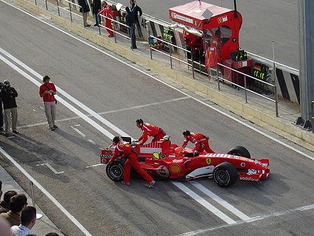 Michael Schumacher en essais hivernaux au volant de la Ferrari 248 F1
