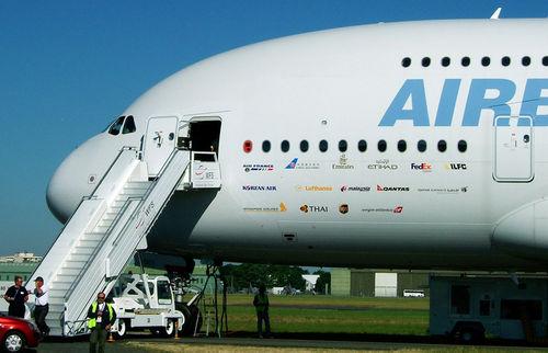 Noms des compagnies clientes en juin 2005 peintes sur le fuselage
