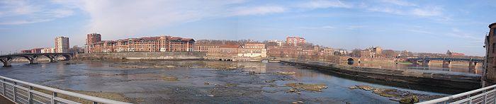 Panorama du Bazacle de Toulouse depuis le musée de Abattoirs