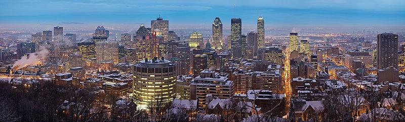 Vue du centre-ville à partir du mont Royal, l'hiver