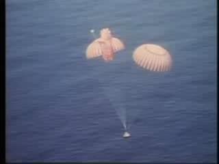 Apollo 15 splashdown.ogg